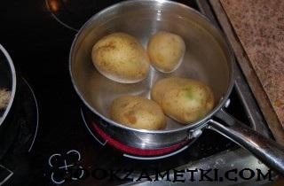 francuzskij-salat-olive-s-ryabchikami-yazykom-i-rakami-30194