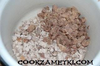 francuzskij-salat-olive-s-ryabchikami-yazykom-i-rakami-30197