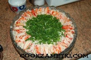 francuzskij-salat-olive-s-ryabchikami-yazykom-i-rakami-30205
