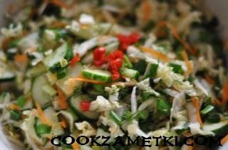 ovoshchnoj-salat-s-pekinskoj-kapustoj-25040