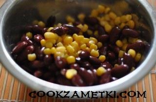 salat-s-suharikami-fasolyu-i-kukuruzoj-25025