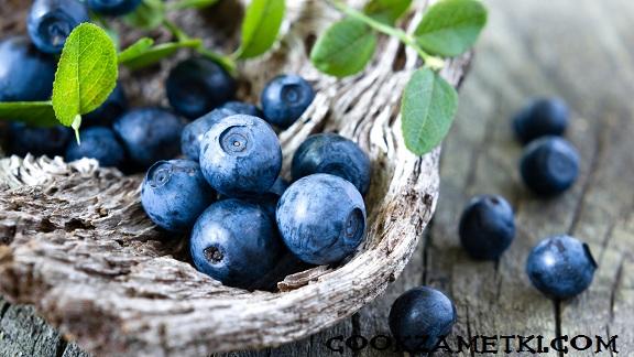 blueberry-fresh-berries-wood