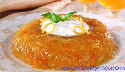 Желе из манго с маковым соусом.
