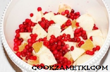 fruktovyj-smuzi-s-brusnikoj-30528