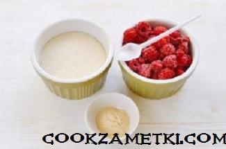 tort-krasnyi-barxat-s-zerkalnoi-glazuru_1477118456_fe_10_min