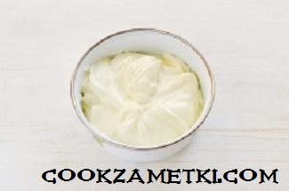 tort-krasnyi-barxat-s-zerkalnoi-glazuru_1477118456_fe_9_min