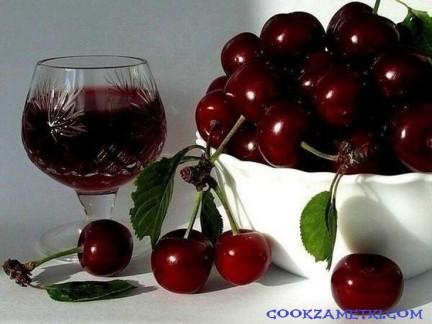 Вино из вишни.