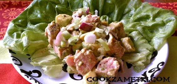 salat-s-rukkoloj-i-avokado-4