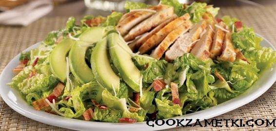 salat-s-rukkoloj-i-avokado-6