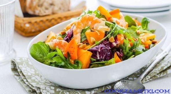 Салат с хурмой.