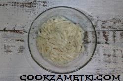 aziatskii-ostryi-sup-s-kuricei-i-ovoshchami_1567879392_9_min