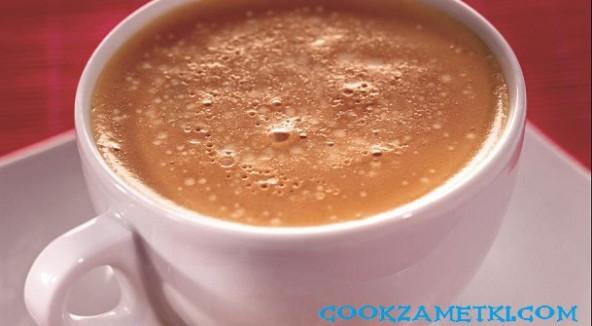 Кофе латте с ванилью и шоколадом.