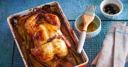 Запеченный цыпленок в маринаде из простокваши с аджикой