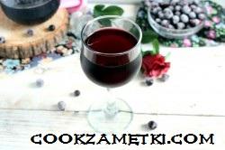 domashnee-vino-iz-chernoi-smorodinj_1572498937_8_min