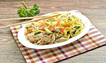 Салат с морковкой по-корейски и фунчозой