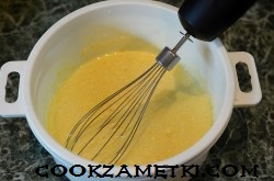 sharlotka-na-moloke-s-yablokami_1589964058_7_min