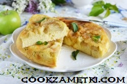 sharlotka-na-skovorode-s-yablokami_1591787815_12_min