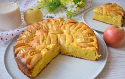 Шарлотка творожная с яблоками в духовке