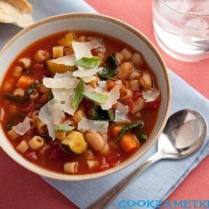 Итальянский суп Минестроне.