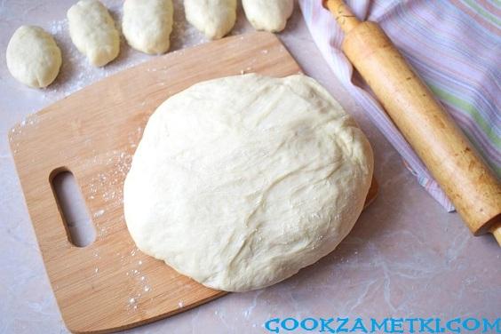 Тесто для пирожков с сухими дрожжами на молоке.