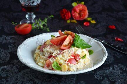 Салат куриная грудка с сыром и помидорами