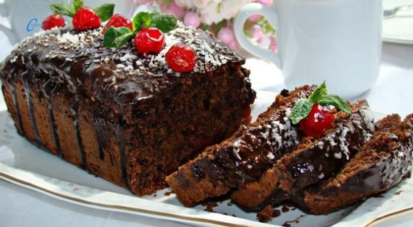 Постный свекольный кекс с вишней