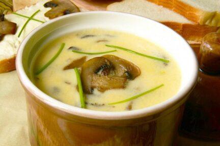 Суп-пюре из шампиньонов с плавленным сыром