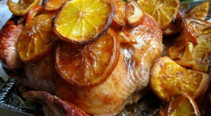 Курица, запеченная с апельсинами в духовке