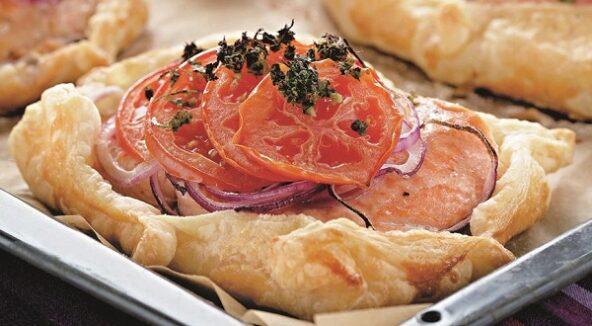 Рыба с овощами в тесте