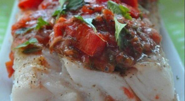 Сочная треска с томатной сальсой